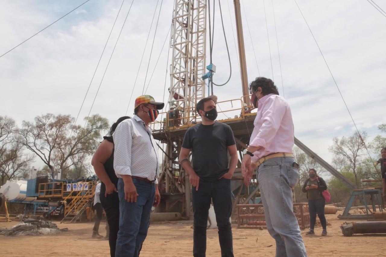 Juan Cabandié visitó Salta y recorrió obras para las comunidades wichis