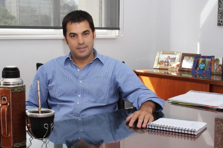 Presidente de la AABE, Ramón Lanús