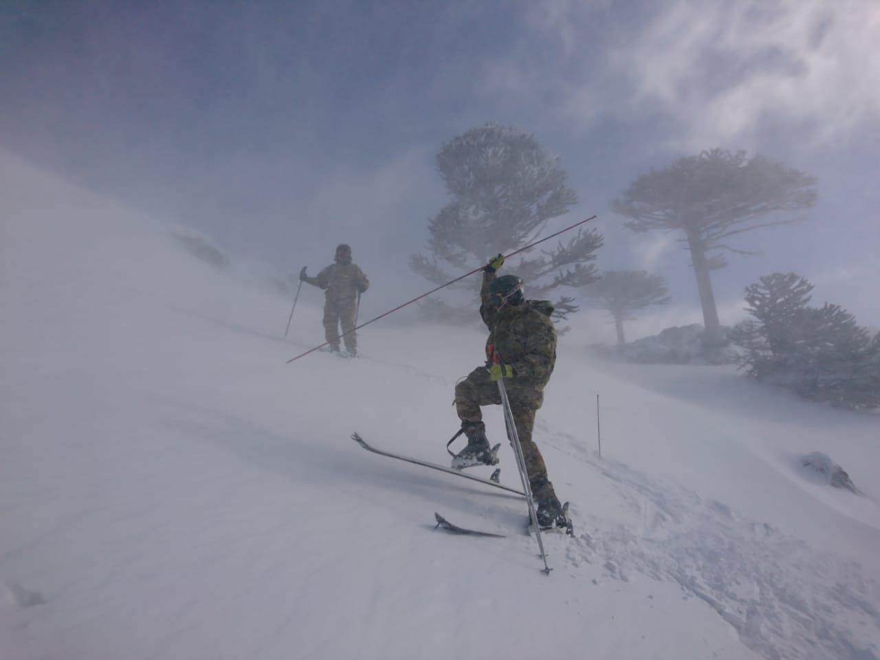 Cadetes del Colegio Militar de la Nación en la montaña