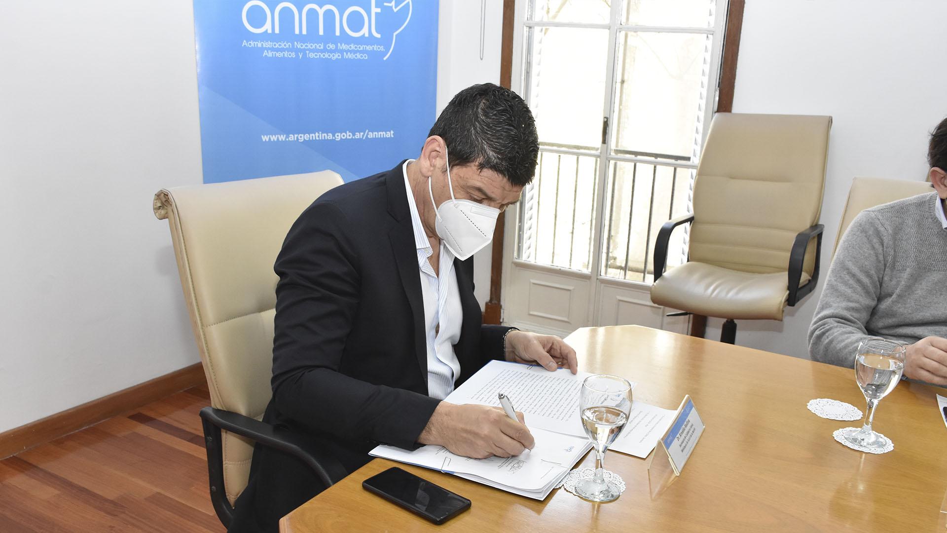 Firma del Acta - Arnaldo Medina