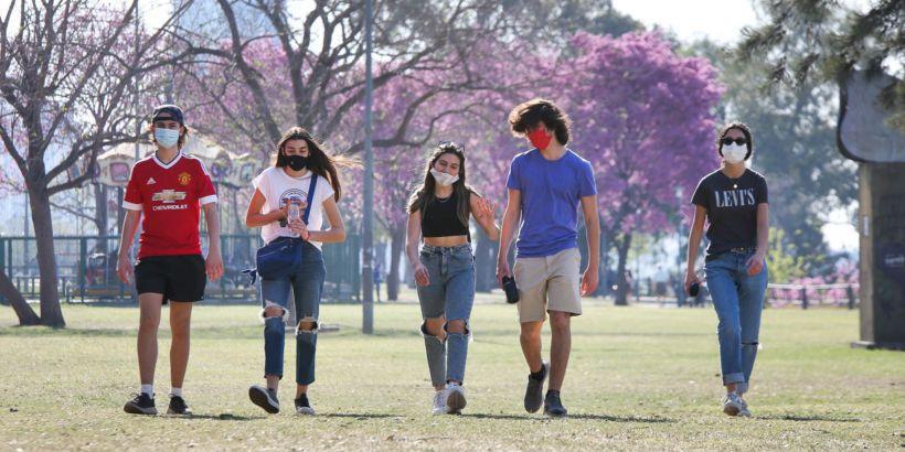 https://www.argentina.gob.ar/sites/default/files/styles/jumbotron/public/2021/07/12-07-21_adolescentes_1.jpeg