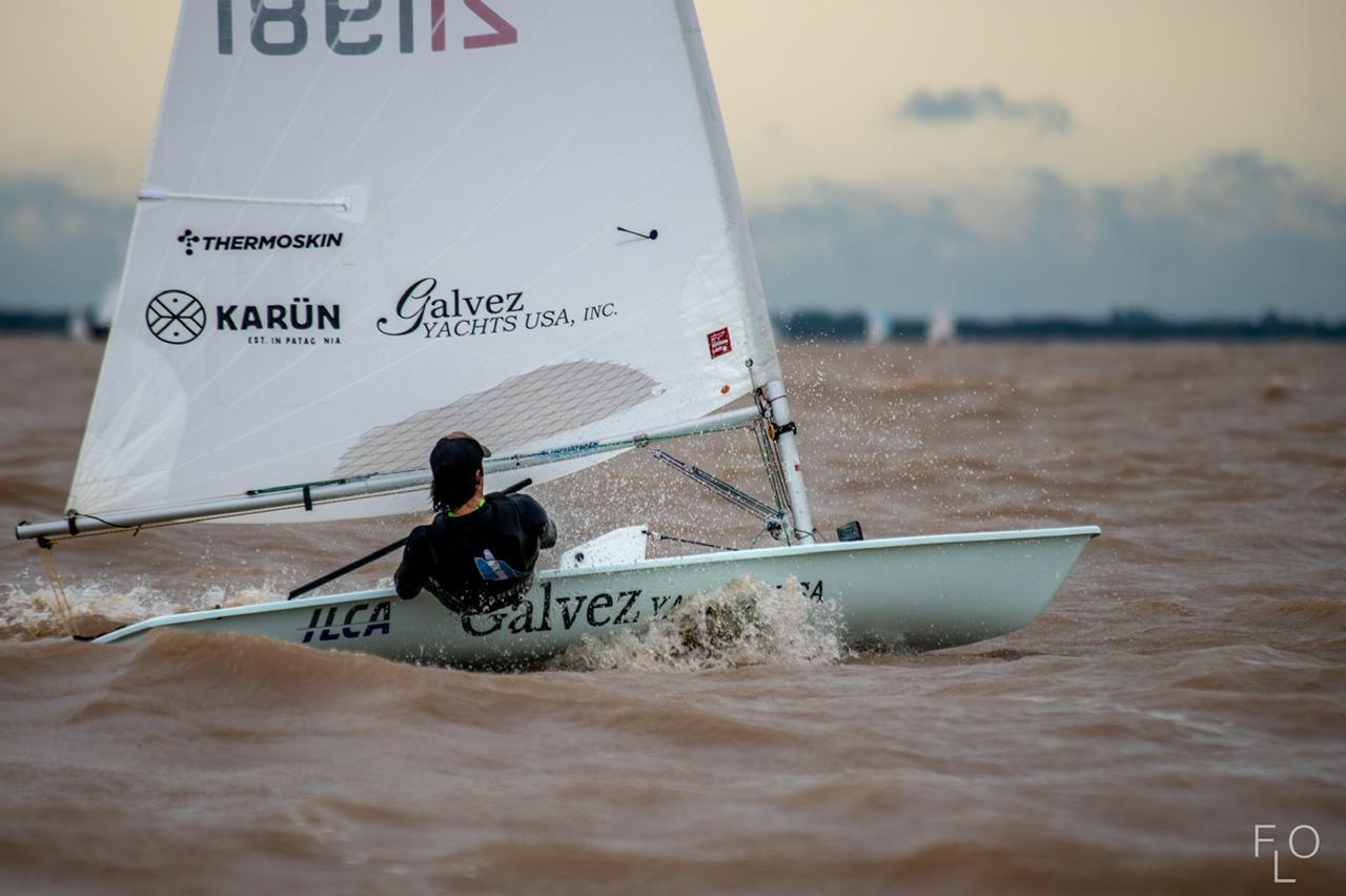 Francisco Guaragna navegando